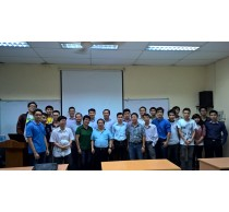 """Giáo sư Lê Ngọc Thọ trình bày seminar về """"From MIMO to Large Scale MIMO"""""""