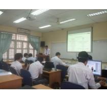 Sinh viên lớp Việt-Pháp thuyết trình nghiệm thu đề tài nghiên cứu khoa học